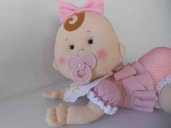 bonequinha bebê em feltro