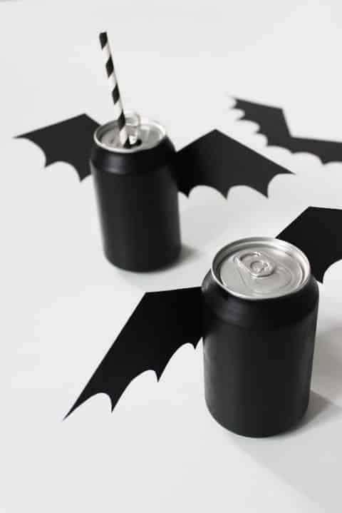 decoração para halloween latinha morcego