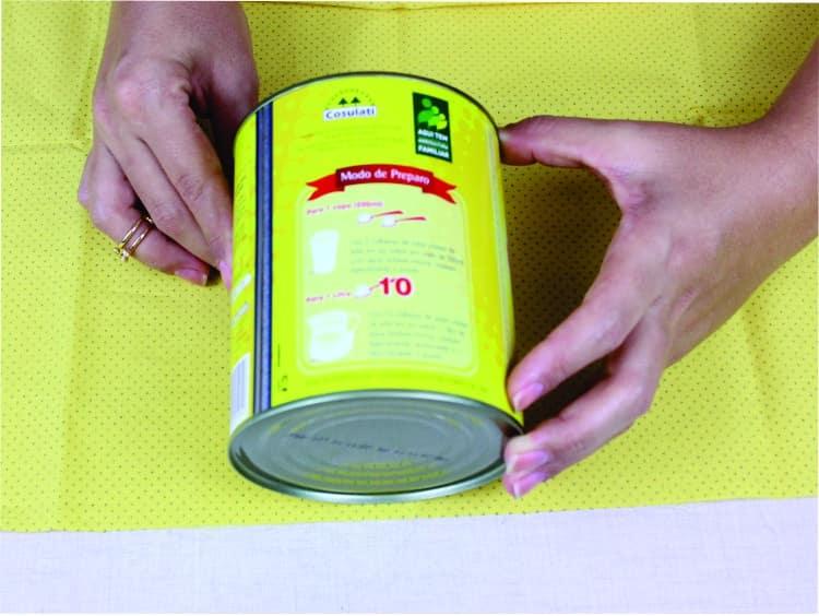 Artesanato com lata decorada com Tecido 1