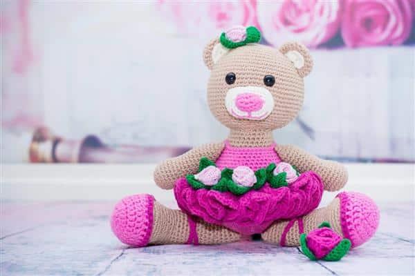Ursinha de amigurumi