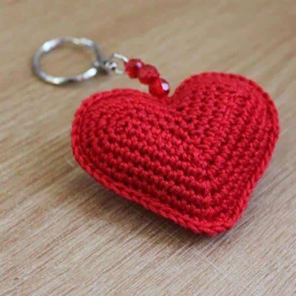 coração amigurumi chaveiro