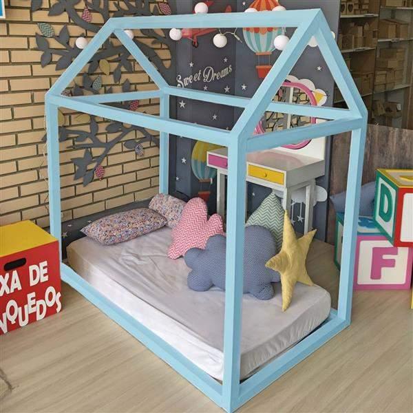 cama-montessoriana-bebe-azul