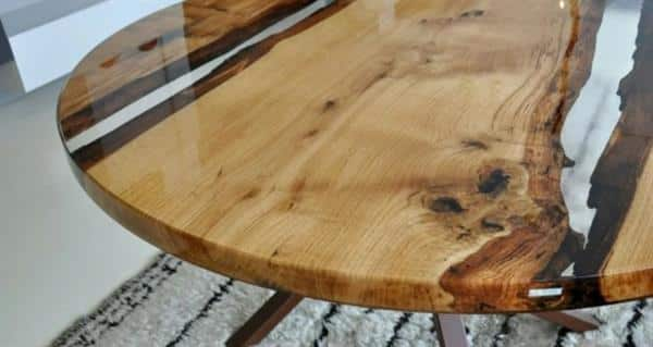 mesa redonda com resina