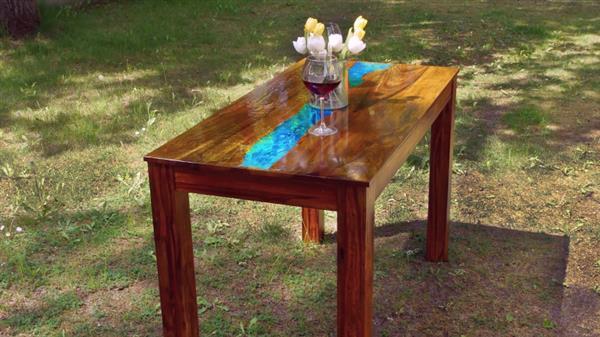 mesa resinada para jardim