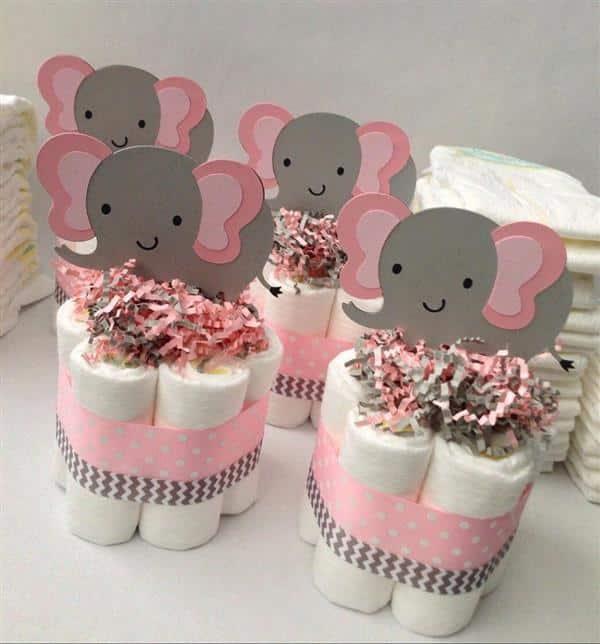 mini bolo de fraldinhas