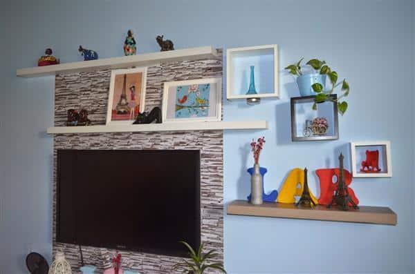 painel de tv com papel contact