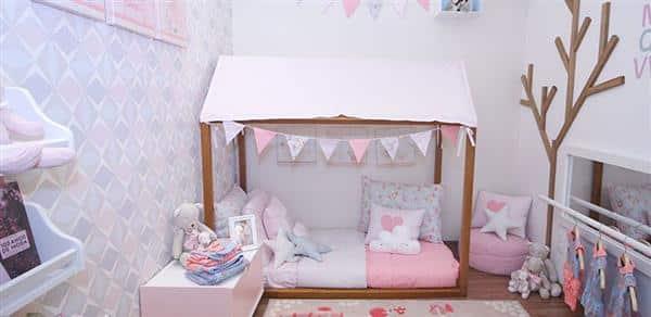 quarto com cama-montessoriana