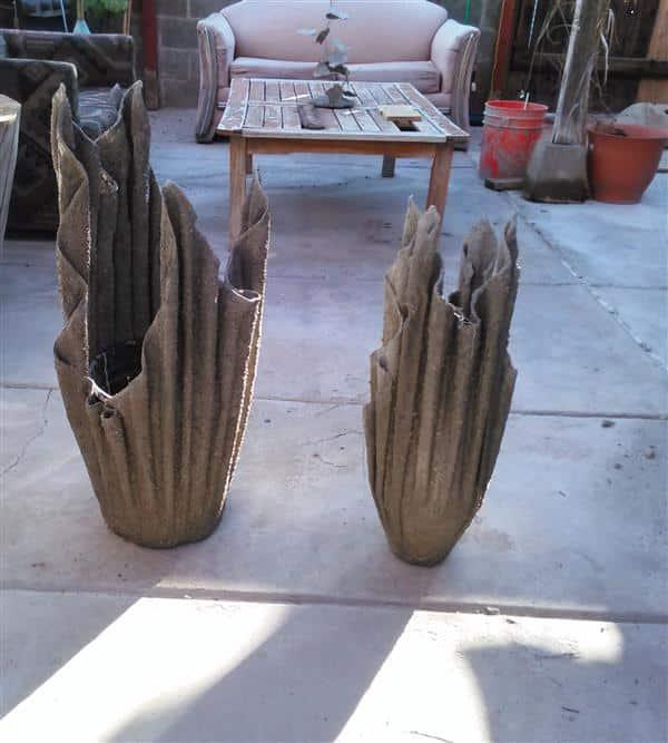 vasos de cimento com toalhas