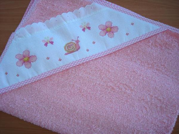 ponto-cruz-bebe-toalha