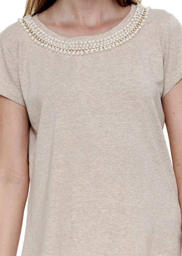 camiseta bordada com perolas