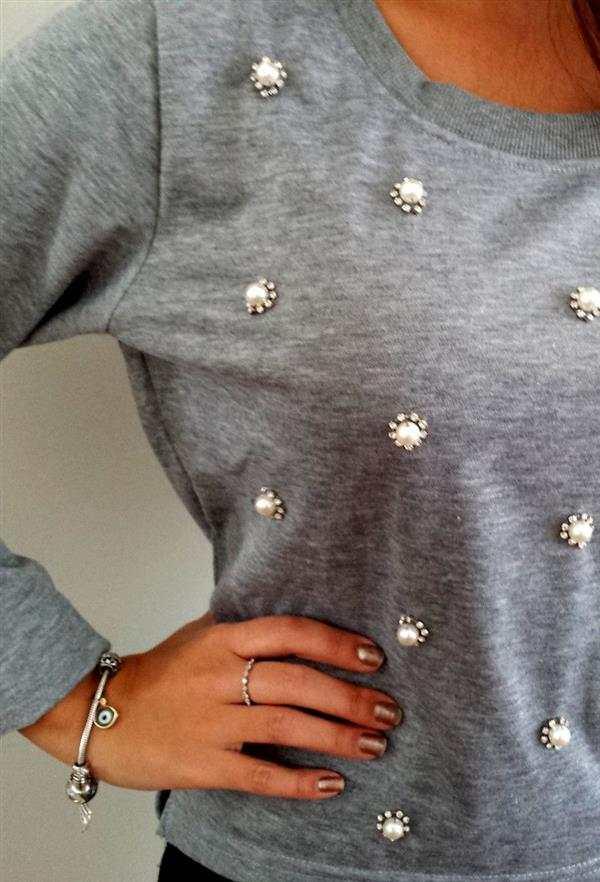 camiseta com bordado simples