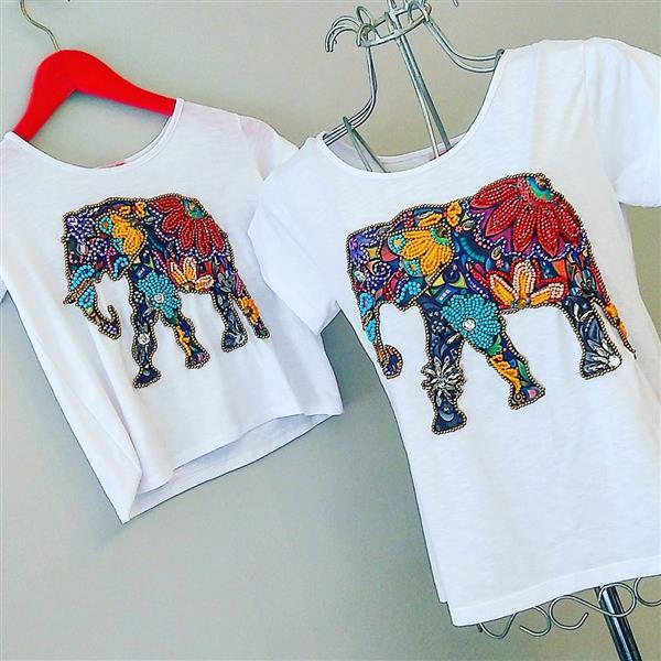 camiseta-elefante-bordada-a-mo-me-e-filha