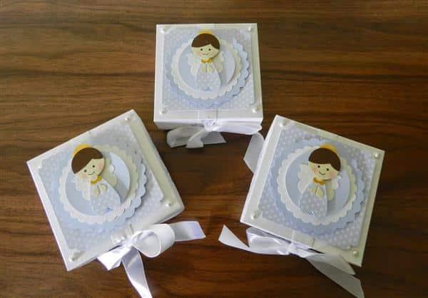 caxinha de papel para batizado