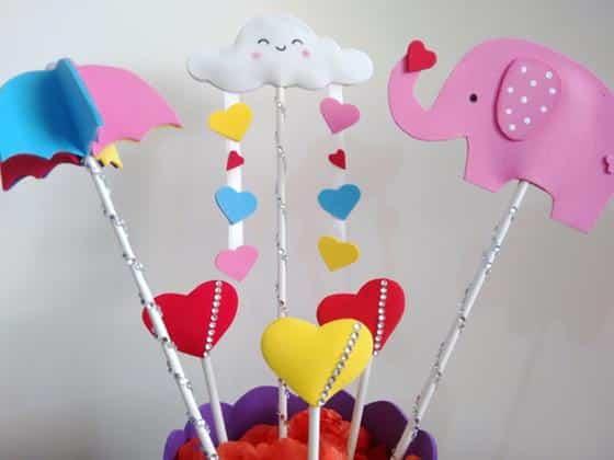 centro-de-mesa-tema-chuva-de-amor