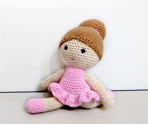 bailarina-em-croche-amigurumi-boneca-de-croche