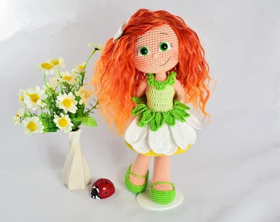 boneca amigurumi ruiva