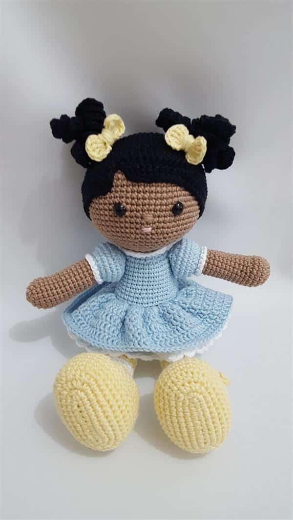 boneca-em-croche-amigurumi-menina