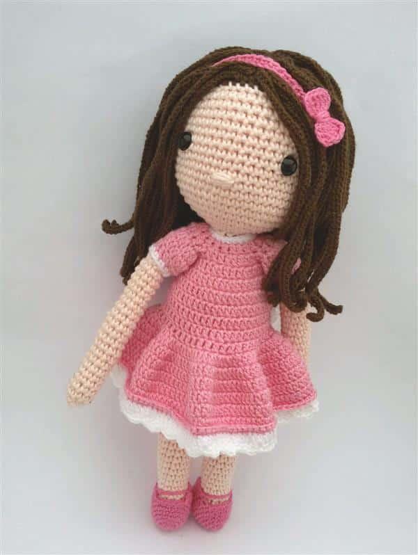 boneca-em-croche-menina com lacinho