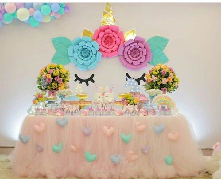 painel unicornio com flores