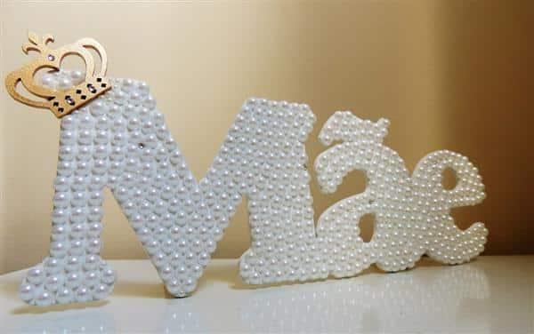 letras decoradas com perola dia das mães