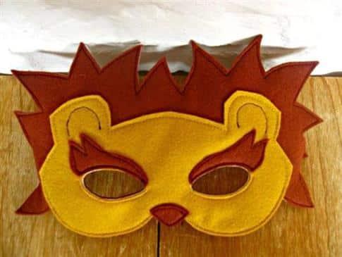 mascara de leãozinho