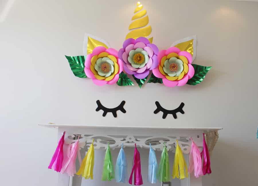 mesa decorada unicornio