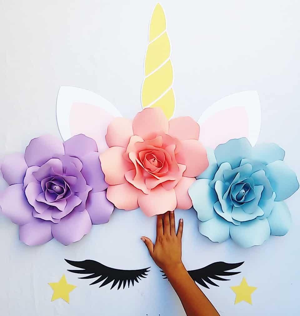 Painel de unicornio de papel