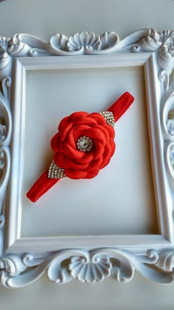 tiariha de flor vermelha
