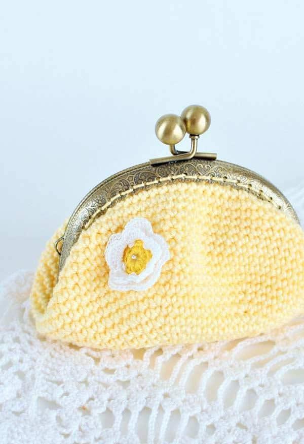 bolsinha-artesanato-em-croche