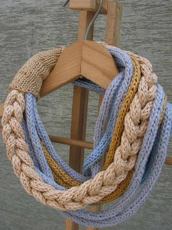 colar tricotin