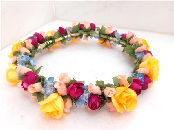 coroa-de-flores-rosa-azul-e-amarela-noiva