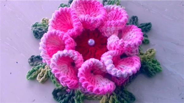 flores feitas de linhas de barbante