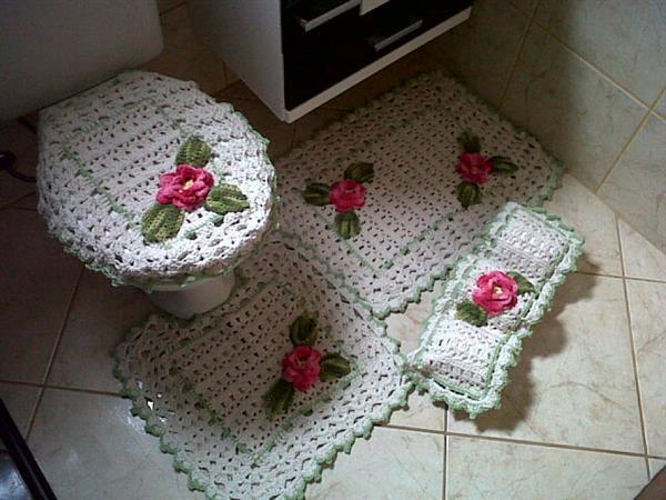 jogo-de-banheiro com flores rosa