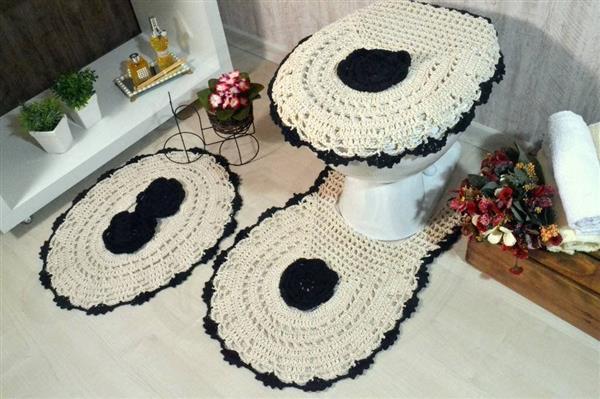 jogo_de_banheiro_em_croche_flor_preta