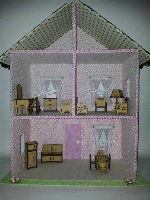 casinha de boneca forrada