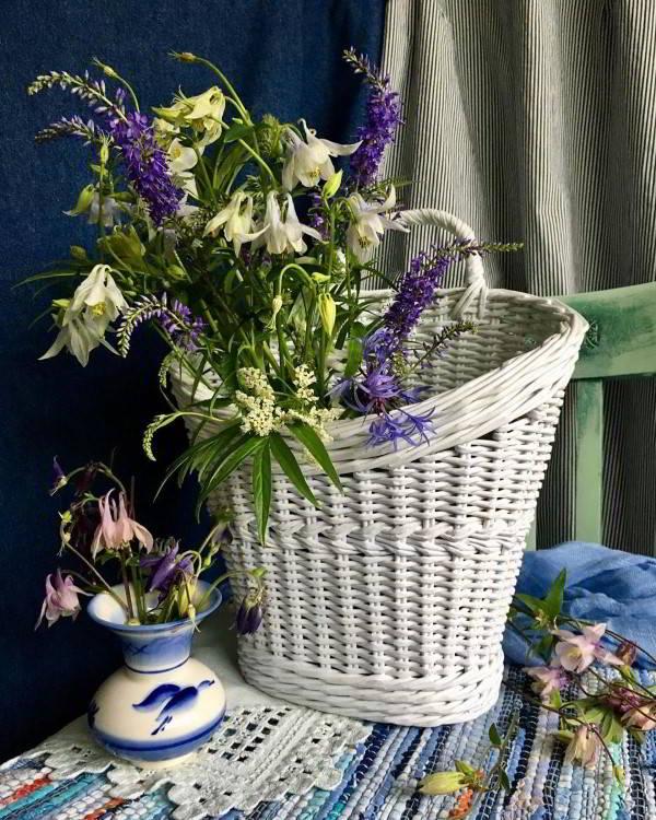 cesta de jornal para flores