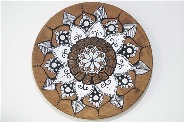 mandalas-em-prato-de-madeira-arte