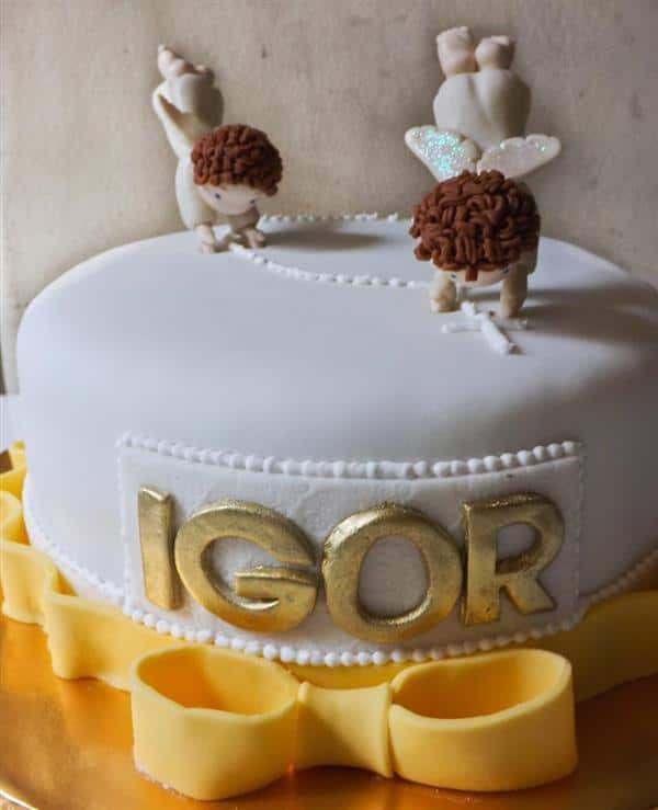 bolo de batizado de menino