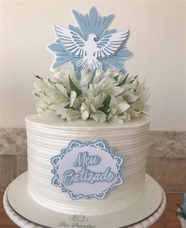 bolo com azul batismo