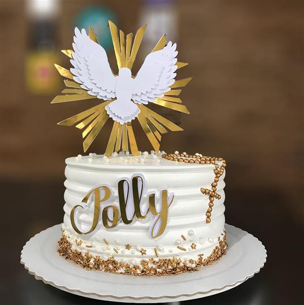 bolo-de-batizado-com letra dourada