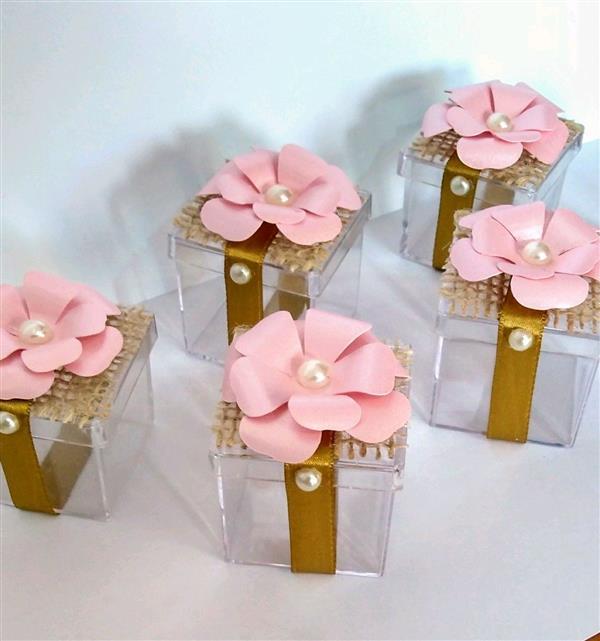 caixa acrlica com flor