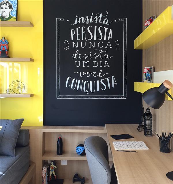 lettering na parede