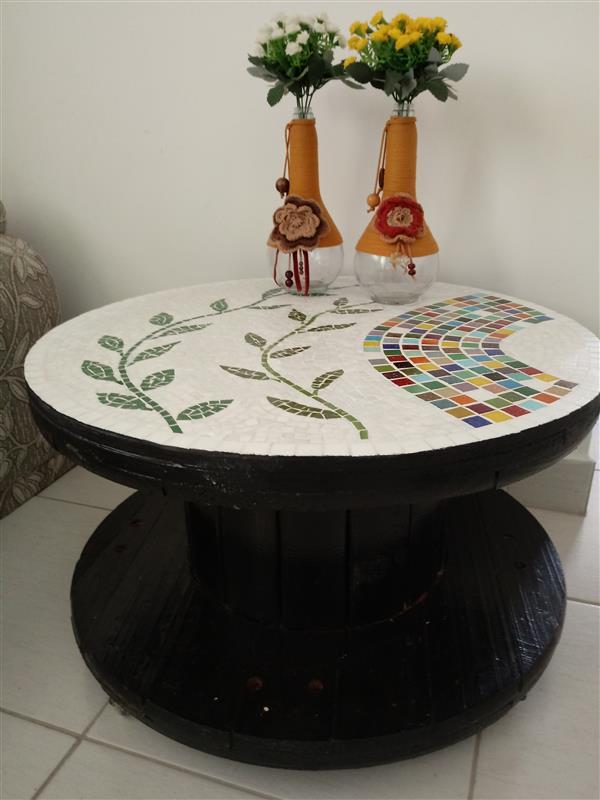 mesa-tampo-em-mosaico-mesa