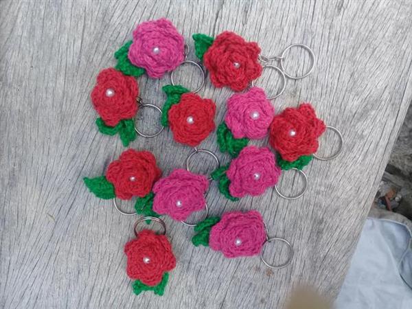 chaveiro de flores de croche