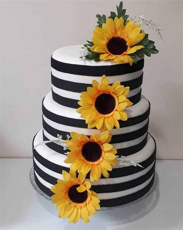 bolo de girassol 3 andares