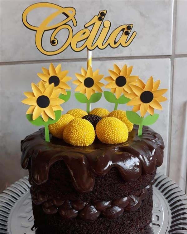 bolo de chocolate com girassol