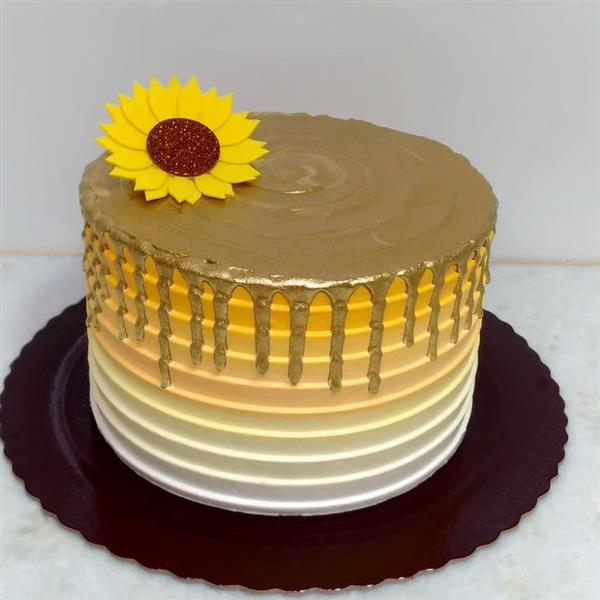 bolo simples com girassol