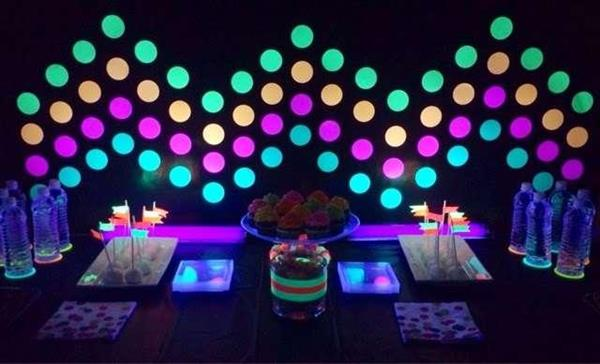 Neon-glow-theme-party-decor