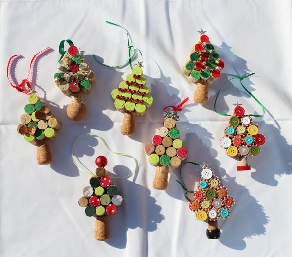artesanato de natal com rolhas