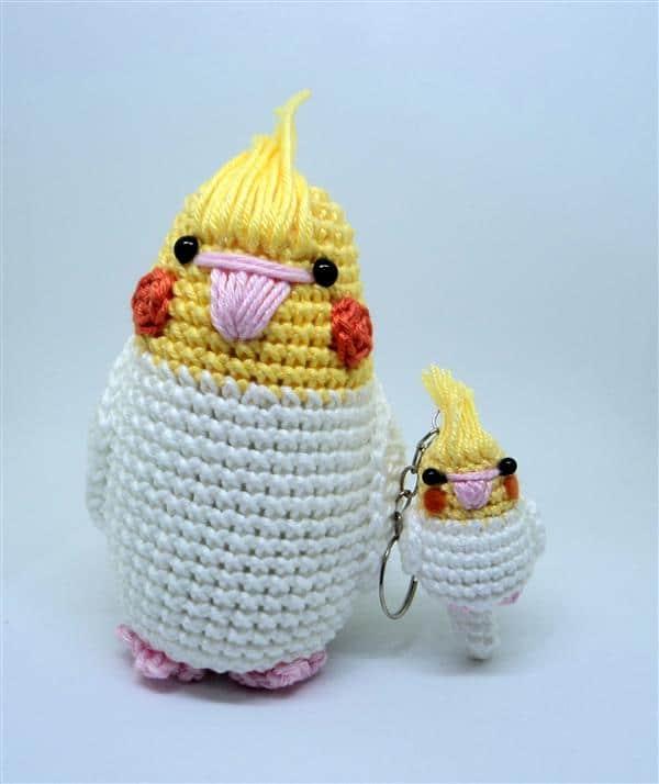 calopsita-chaveiro-de-croche-amigurumi-amarela-e-branca